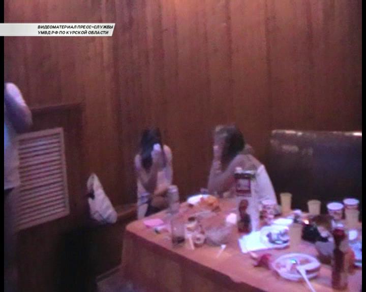 Секс публичном доме видео сказать