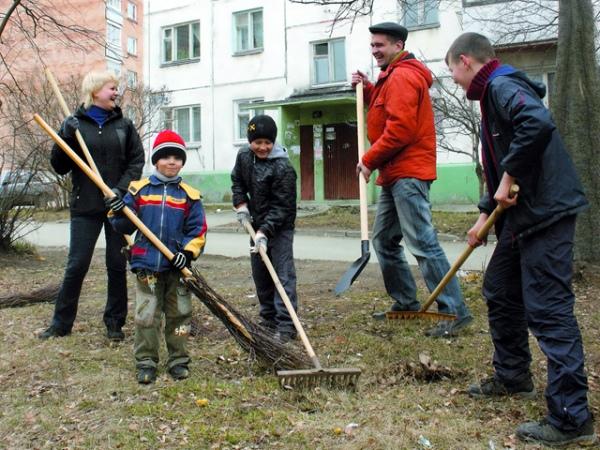 Почти 750 кубометров мусора убрали с курских улиц