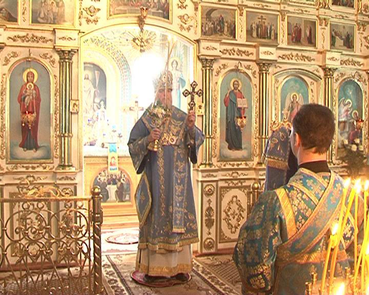 Митрополит Курский и Рыльский Герман провел праздничную службу в Благовещенском храме