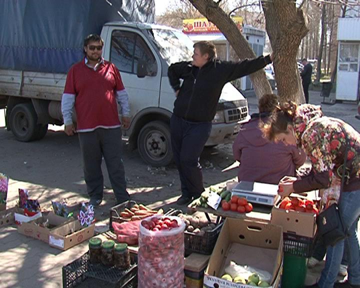Несанкционированная торговля процветает на улицах Курска