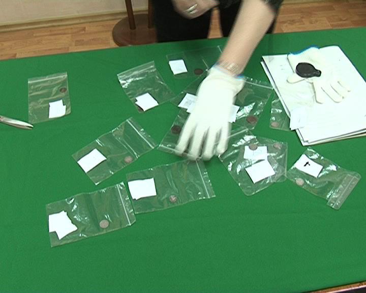 Курская таможня на постоянное хранение передала в музей 13 древних монет