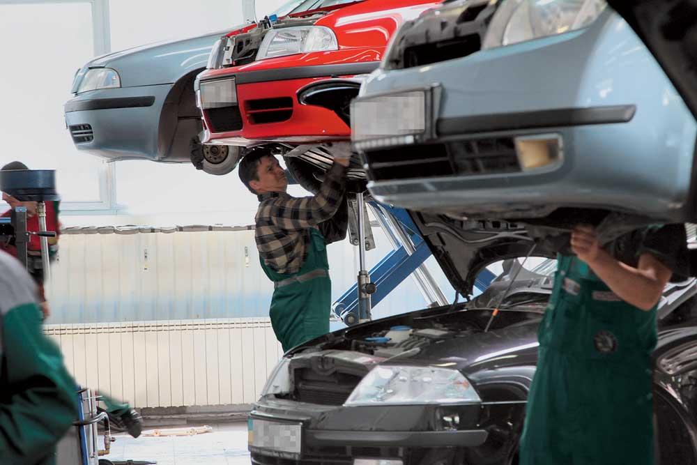 В Курской области угнали автомобиль со станции техобслуживания