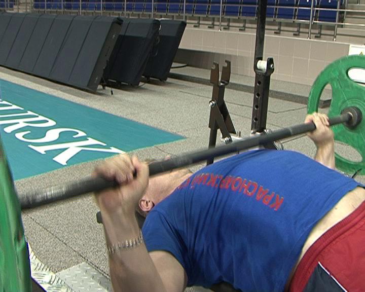 В Курске проходит Чемпионат России по пауэрлифтингу