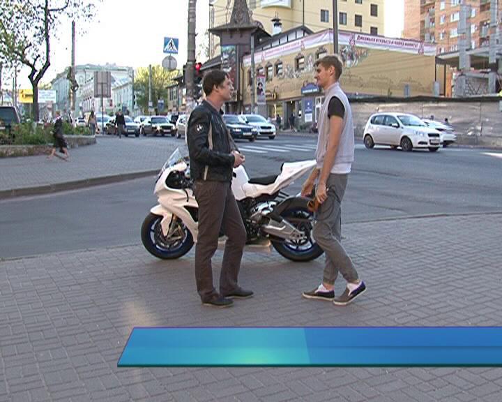 Автомобилисты и мотоциклисты - кто прав на дороге?