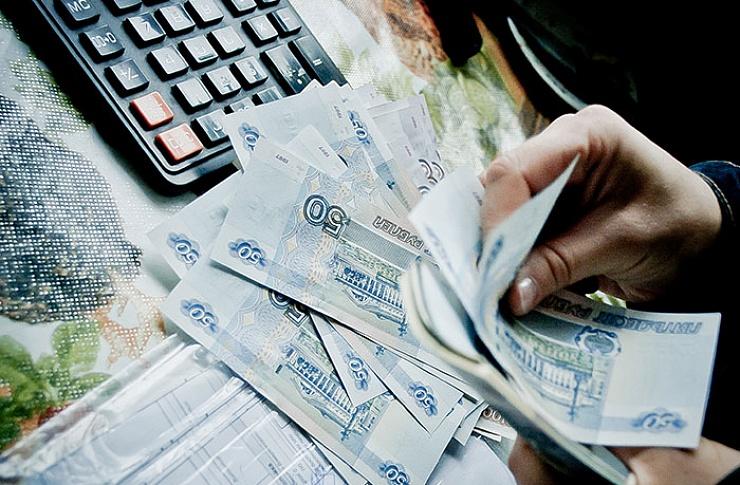 Курская область женщина-бухгалтер умышленно завышала себе зарплату?