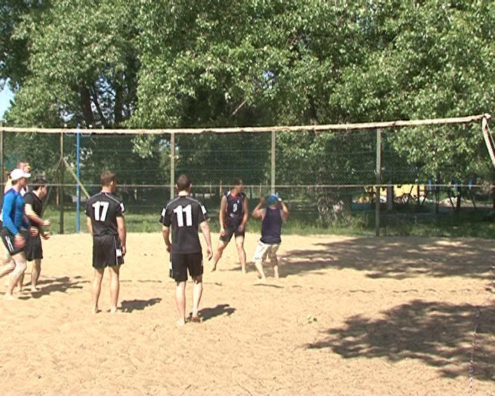 Дворово-уличные команды открыли серию летних турниров