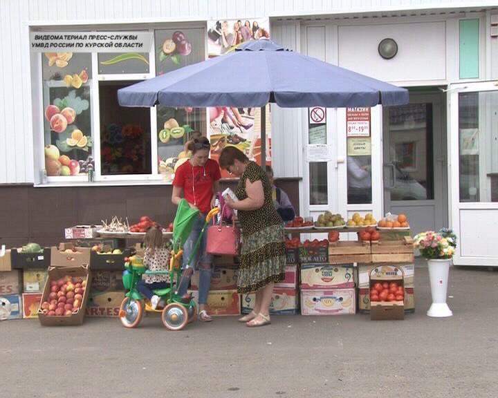 В Курской области женщины воровали на рынке кошельки
