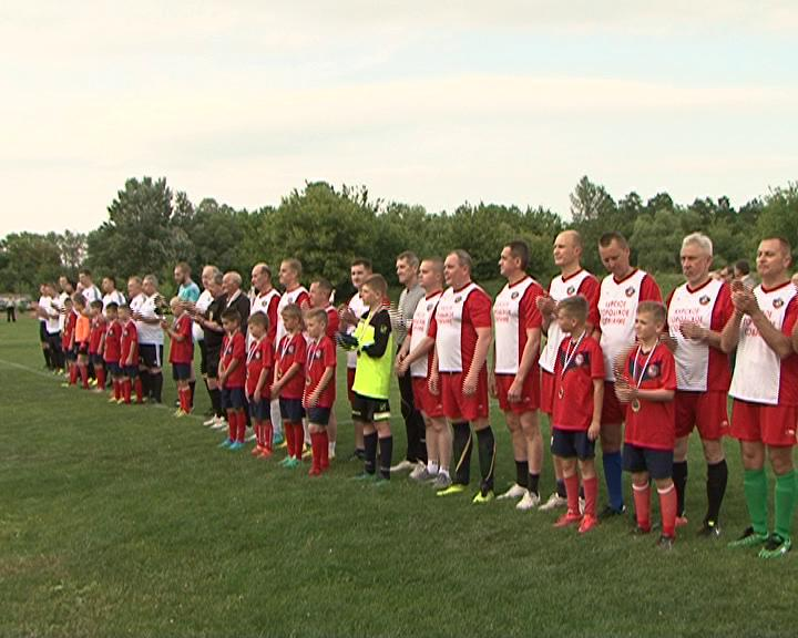 Курские депутаты сыграли в футбол
