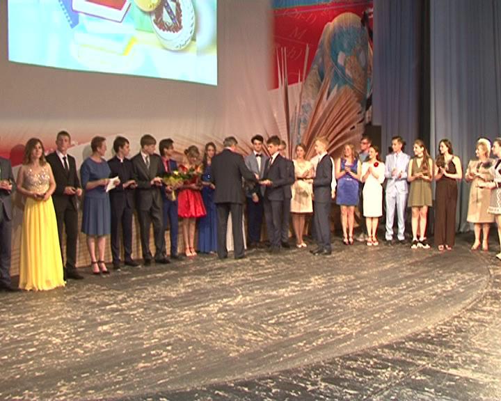 Почти 500 курских выпускников получат дополнительные баллы