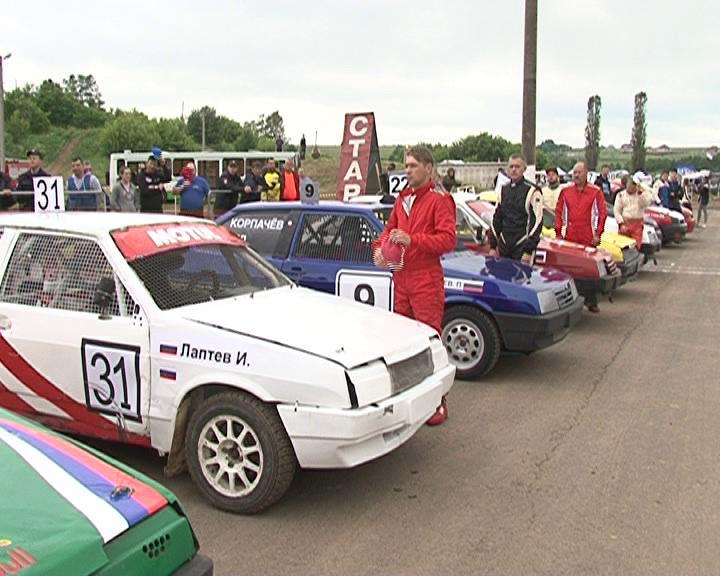 Курские гонщики не смогли победить в автогонках «Курская дуга»