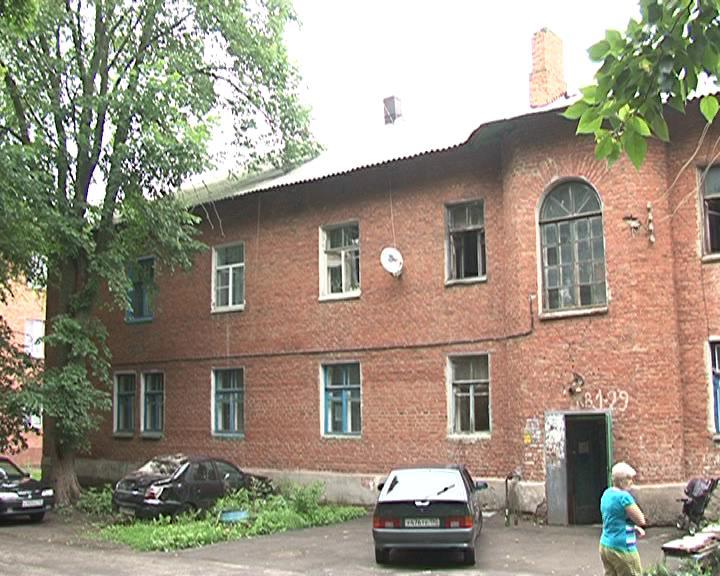 Аварийный дом в Курске пять лет ждет расселения
