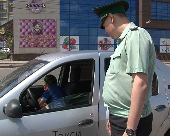 Курские  приставы совместно с инспекторами ГИБДД провели рейд по выявлению должников
