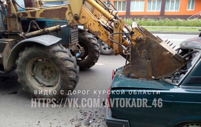 Экскаватор против машин. Авария на выезде из Курска