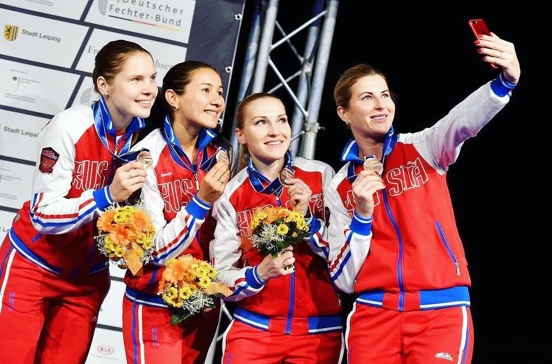 Инна Дериглазова выиграла бронзовую награду в командных соревнованиях