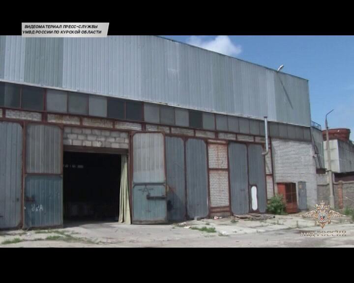 Курские полицейские накрыли цех по производству подпольных табачных изделий