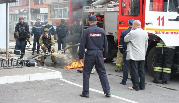 Курская область. Пожар в торговом центре