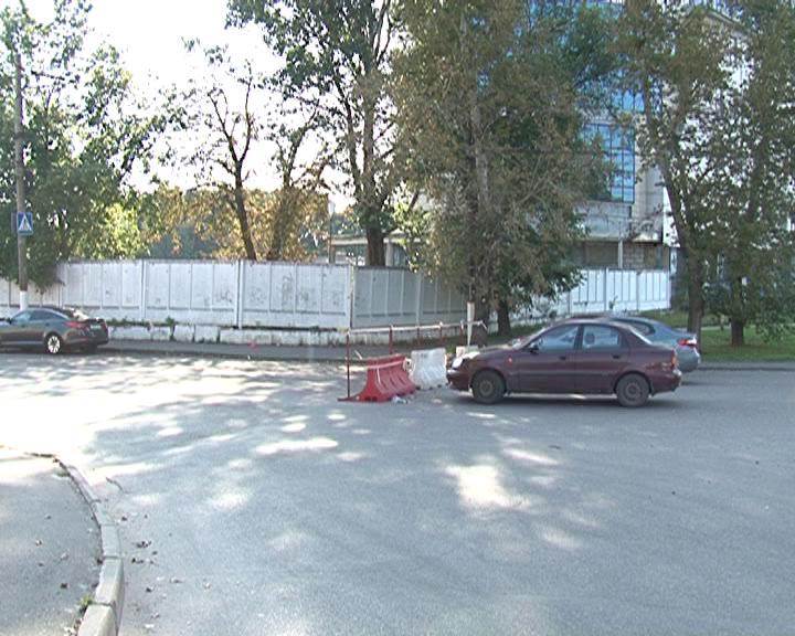 Ремонт теплосетей по улице Красной армии продолжается
