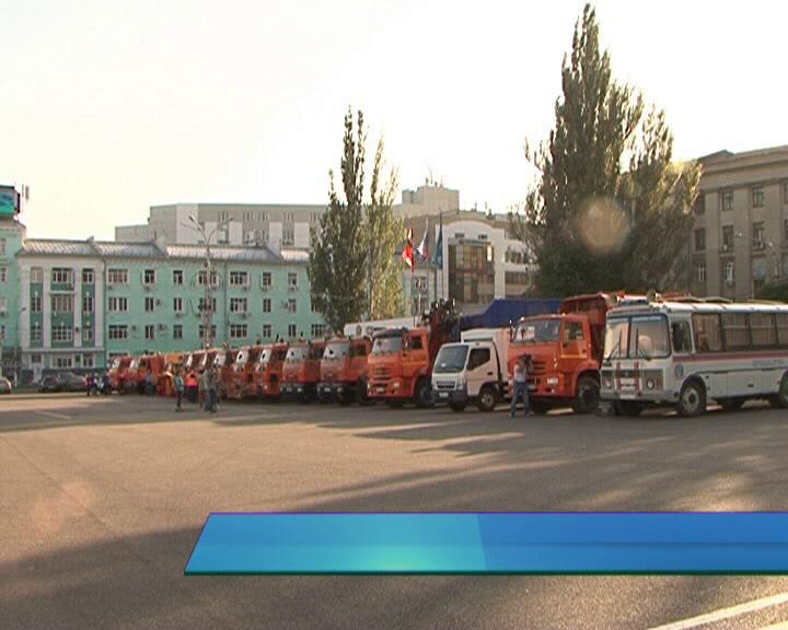 Курянам показали новые машины, которые будут очищать городские улицы от снега.