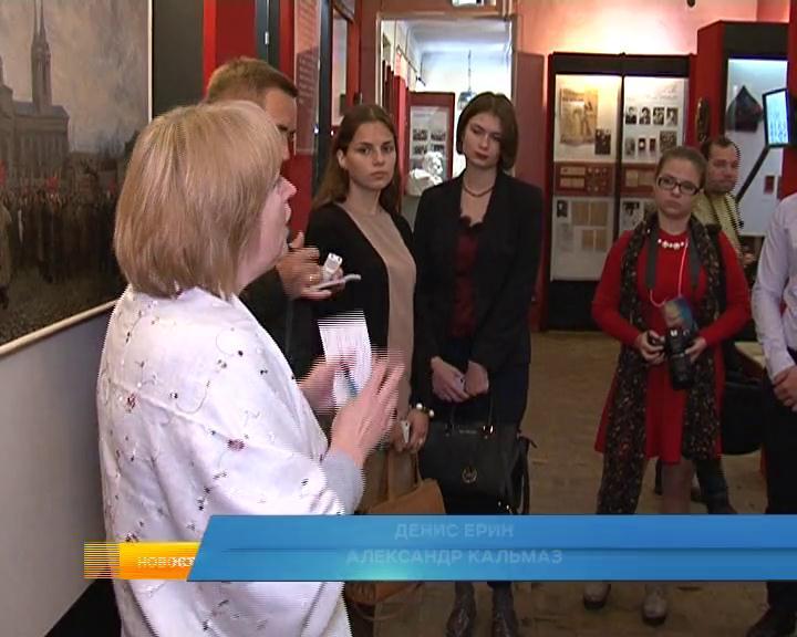 Курск. В краеведческом музее для студентов журфака провели экскурсию