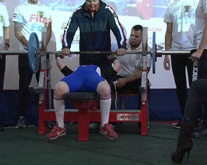 Курск принимал участников соревнований по пауэрлифтингу и бодибилдингу.