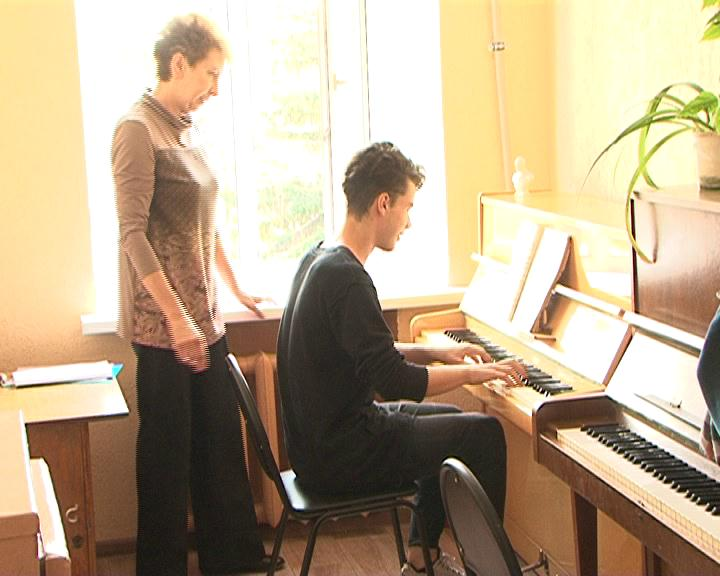 Дополнительные средства получат  курские музыкальные колледжи и школы