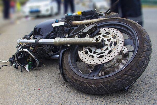В Курской области мотоциклист пытался избить полицейского
