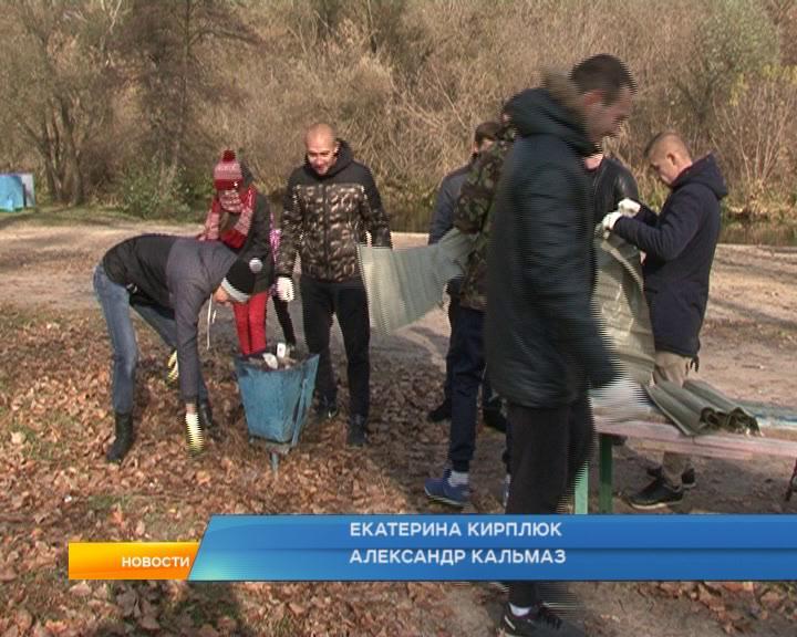 Курские активисты снова вышли на субботник.