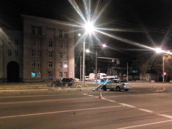 В Курске два водителя не поделили дорогу