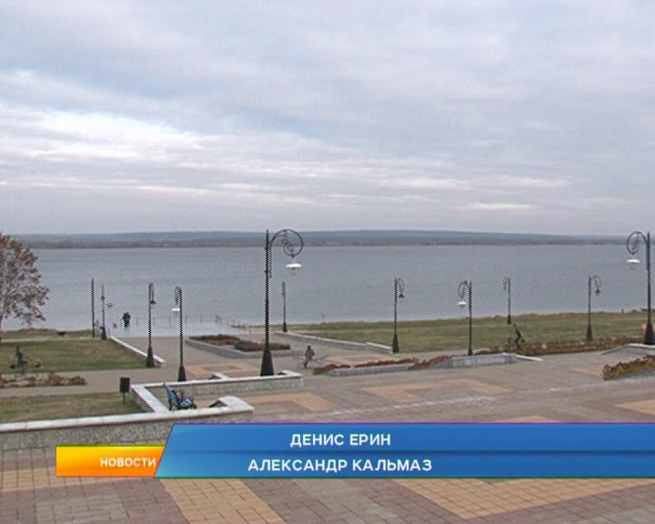 В Курчатове пешеходная зона у берега водохранилища переживает модернизацию.