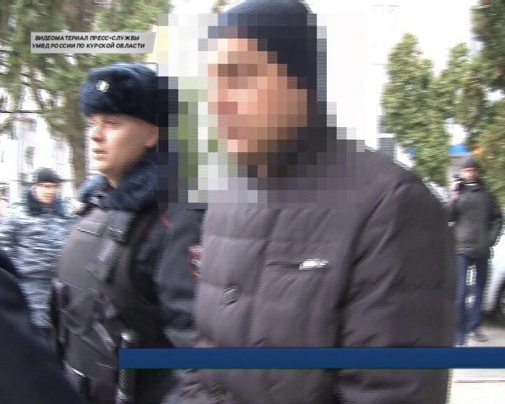 Курского учителя подозревают в педофилии.