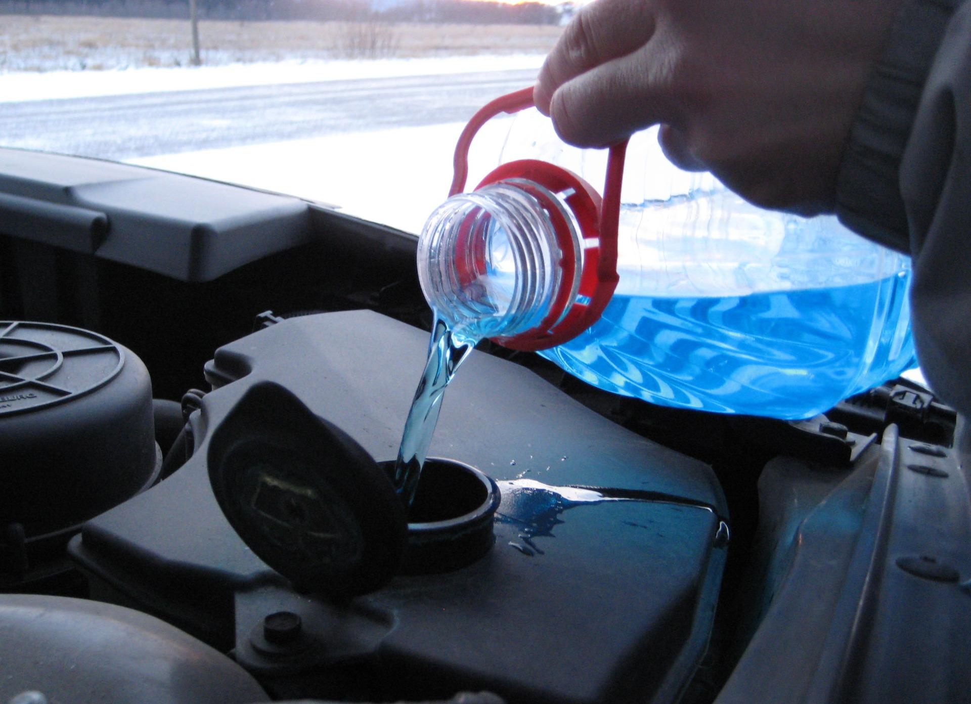 В Курске изъяли около 500 литров некачественной «незамерзайки»